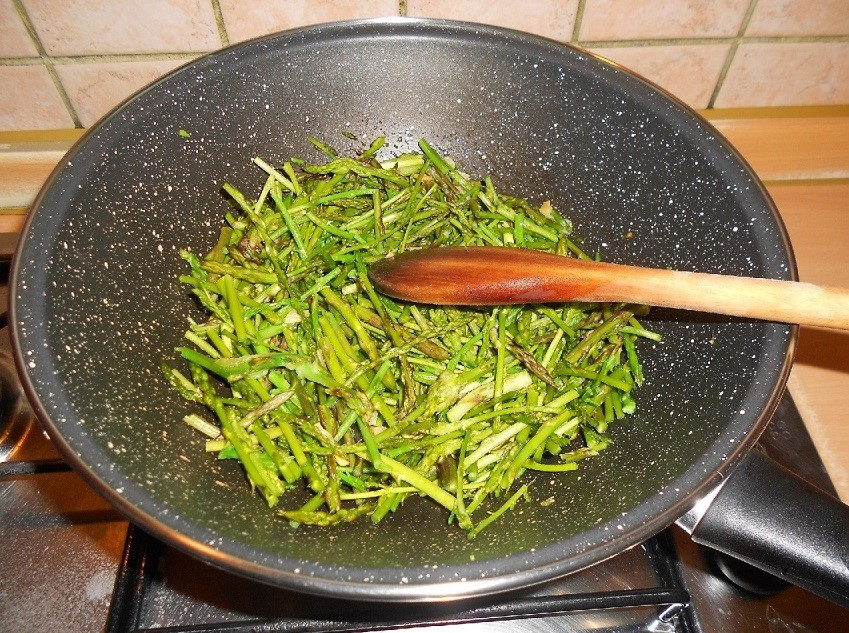wild-asparagus-pan-fried