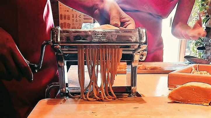 pasta-machine-handmade-fresh