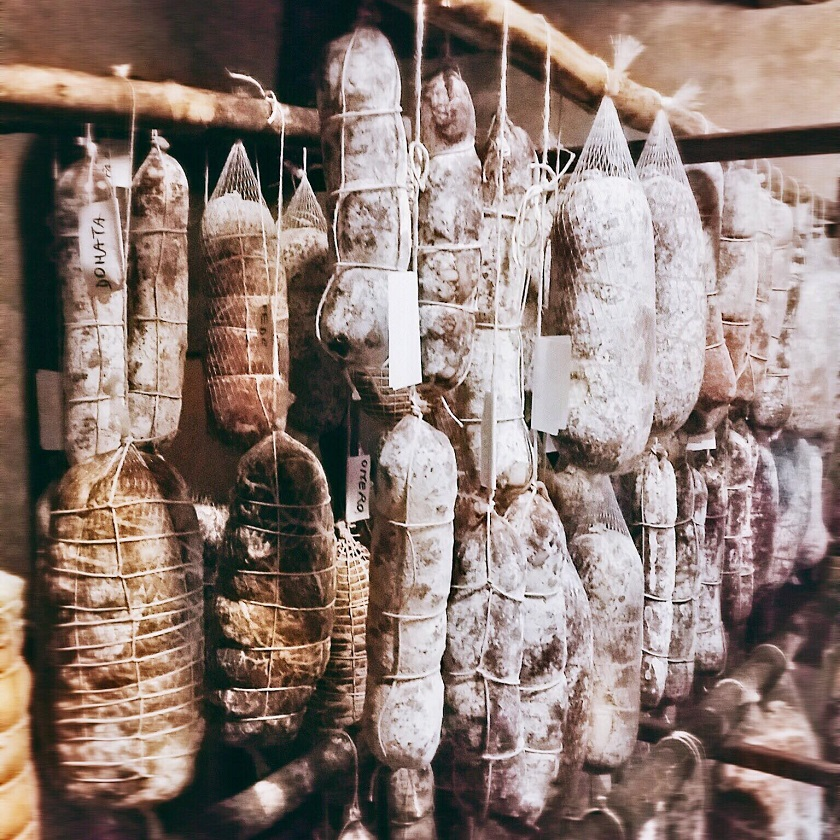 tuscan-raw-cured-meats